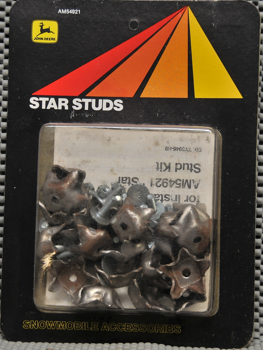 Details about 6pack (120 studs) J  Deere AM54921 Star Studs for Snowmobile  & ICE RACING